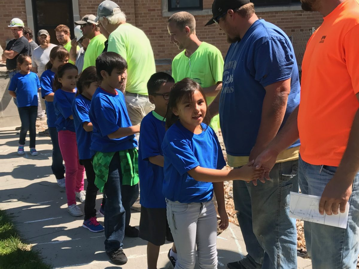 St. Joseph's elementary students give back to construction crew